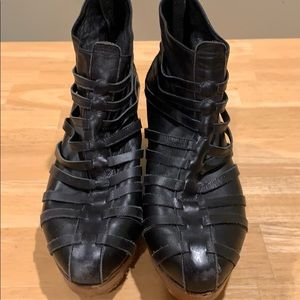 80%20 Zoey Wedge Leather Bootie Size 8.5